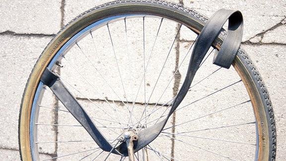 defekter Fahrradreifen