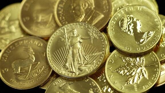 Verschiedene Goldmünzen, 2008
