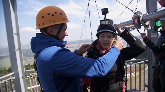 Moderatorin Henriette Fee Grützner auf der Fly Line am Fichtelberg