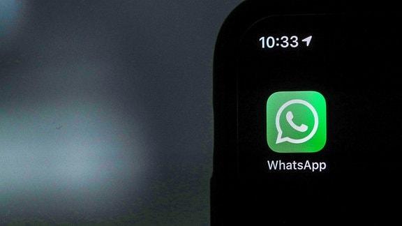 Whatsapp-Symbol auf einen Smartphone.