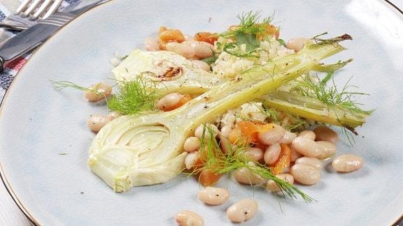Lauwarmer Fenchelsalat mit Aprikose und Pecorino-Bulgur