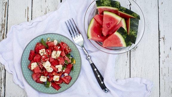 Wassermelonensalat mit Feta, Minze und Sesam