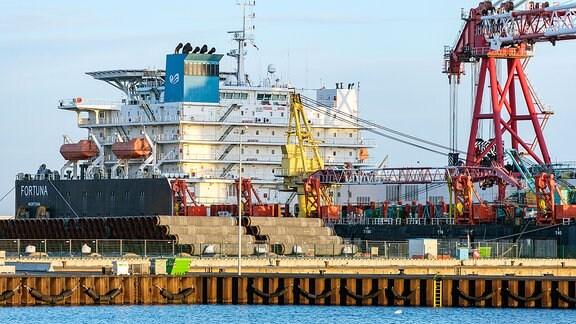 Das russische Verlegeschiff Fortuna