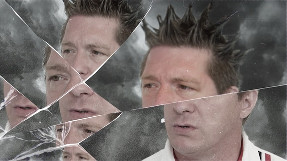 Ein Mann in einem zersplitterten Spiegel.