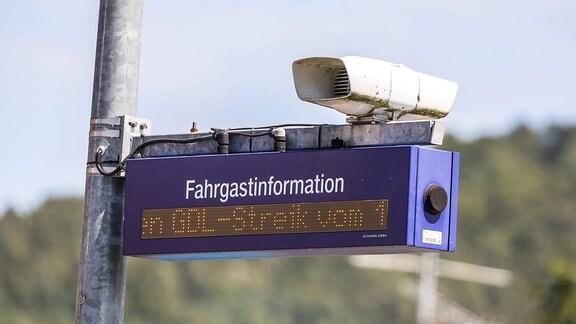 Fahrgastinformation weist auf einen GDL-Streik hin