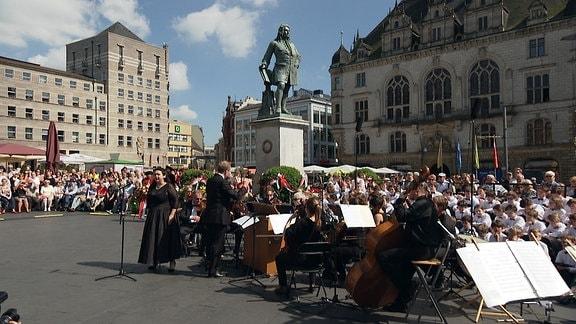 Musiker bei der Eröffnung der Händelfestspiele auf dem Marktplatz in Halle