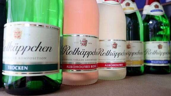 Verschiedene Flaschen Rotkäppchen-Sekt, 2014