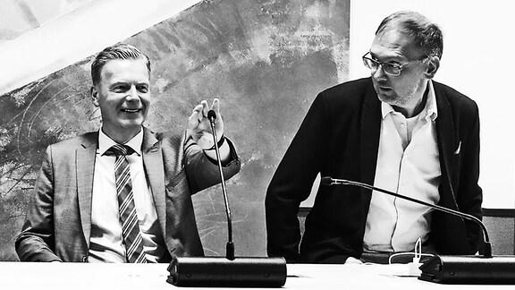 Stellv. Fraktionsvorsitzender Ulrich Thomas (CDU,Sachsen Anhalt) und Lars Jörn Zimmer (CDU,Sachsen Anhalt) - Fraktionssitzung der CDU vor der Landtagssitzung im Landtag von Sachsen Anhalt