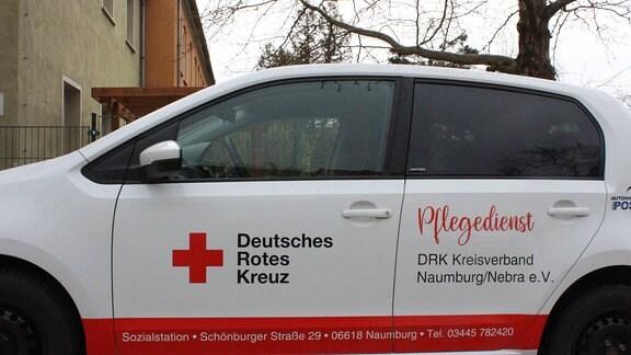 Ein Kleinwagen eines ambulanten Pflegedienstes