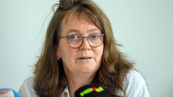 Juliane Kleemann, SPD-Landesvorsitzende in Sachsen-Anhalt spricht während einer gemeinsamen Pressekonferenz von CDU, SPD und FDP.