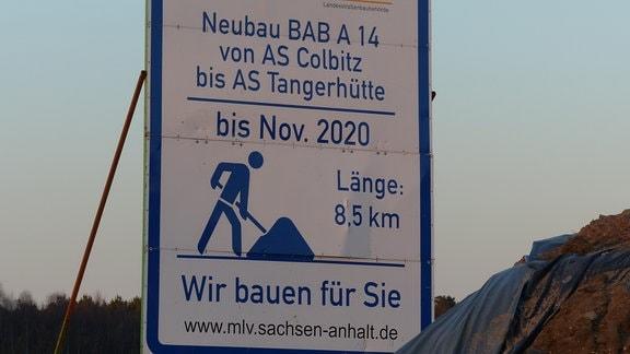 Baustellen-Schild zur Verlängerung der A14