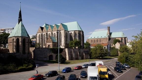 Magdalenenkapelle, Wallonerkirche und die Sankt-Petri-Kirche in Magdeburg, 2008