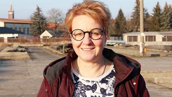 Petra Dräger-Röder betreibt in Wörlitz bei Dessau einen Holzhandel.