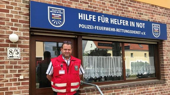Stefan Perlbach, Verein Hilfe für Helfer in Not