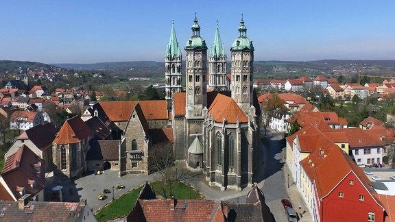 Drohnenaufnahme des Dom St. Peter und Paul in Naumburg an der Saale am 12.04.2018.