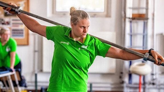 Kugelstoßerin Sara Gambetta vom SV Halle