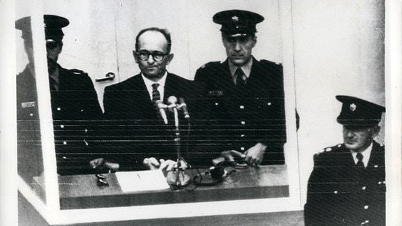 Adolf Eichmann bei Prozesseröffnung in Jerusalem, 1961