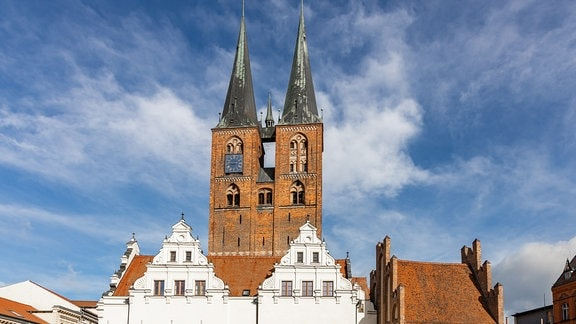 Blick auf den Marktplatz und Sankt Marien in Stendal
