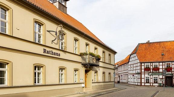 Blick auf das Rathaus von Osterburg im Landkreis Stendal
