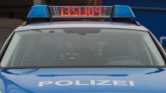 Blaulichtanlage eines Polizeiautos.