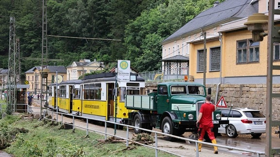 Aufräumarbeiten Hochwasser Sachsen 2021