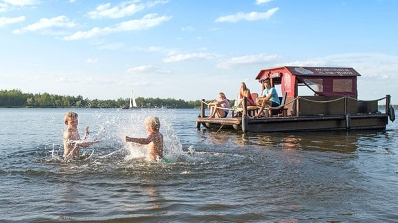 Floßfahrt über Lausitzer Seen