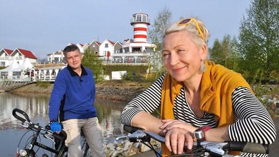 """Auf einem 16 Kilometer langen Rundweg lässt sich der Geierswalder See mit dem Fahrrad oder auf Inlineskates umrunden. Das Hotel und Restaurant """"Der Leuchtturm"""" lädt zur Rast."""