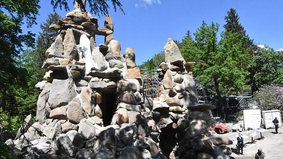Grotte mit verhülltem Herkules