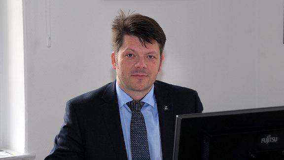 Zittauer Oberbürgermeister Thomas Zenker im Dienstzimmer.