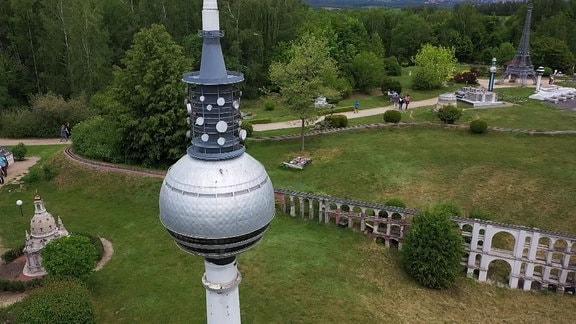 Der Berliner Fernsehturm in der Miniwelt Lichtenstein