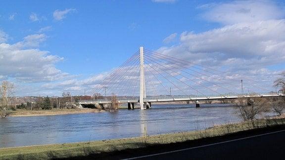 Die Brücke über die Elbe in Niederwartha