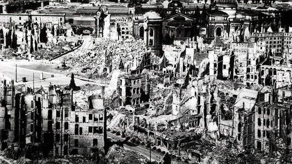 Zerstörte Dresdner Innenstadt im Jahr 1946