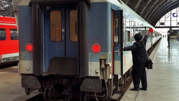 Zug im Leipziger Hauptbahnhof