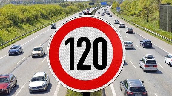 Autobahn und Schild mit Tempolimit 120 km/h.