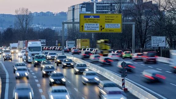 Strassenverkehr in Stuttgart-Ost