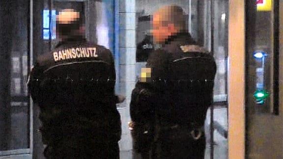 Amtsanmaßung durch den sog. Bahnschutz