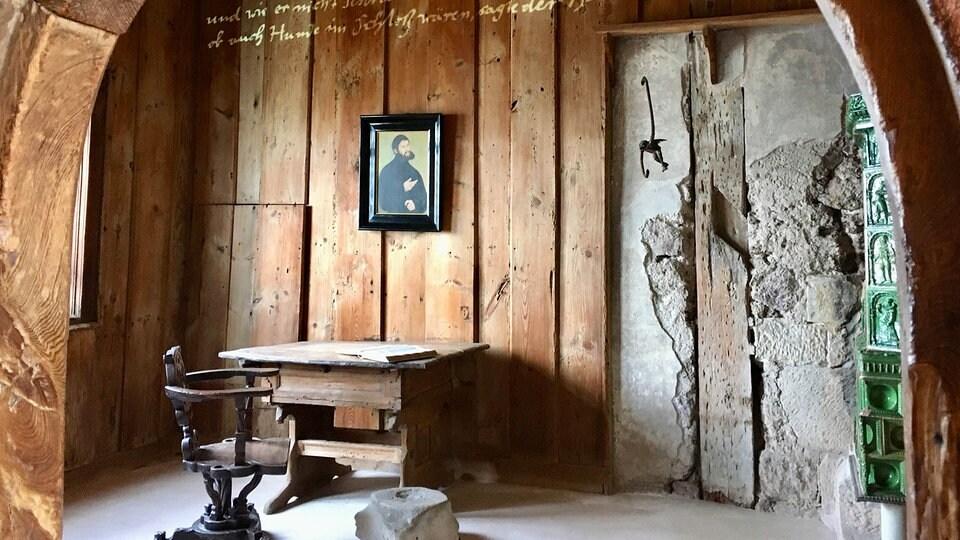Luther-Jubiläum auf Wartburg: Ausstellung wird ohne Besucher eröffnet | MDR.DE