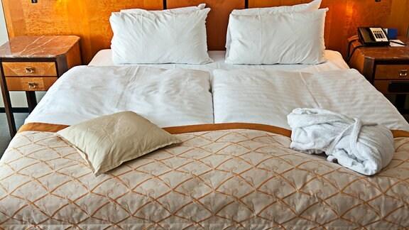 Hotelbett