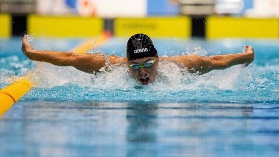 Schwimmer David Thomasberger.