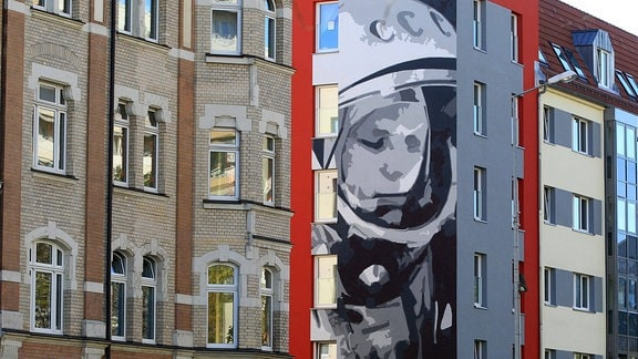 Juri Gagarin an einer Hauswand am Juri-Gagarin-Ring