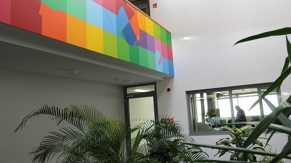 JVA Chemnitz, farbiges Detail im Innebereich.
