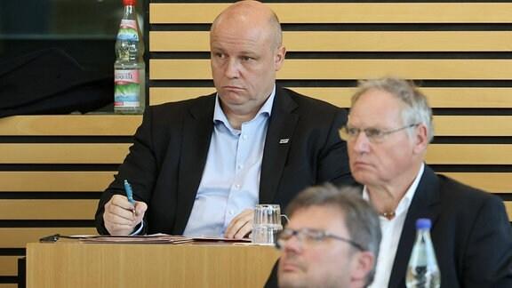 Abgeordneter Lars Schütze im Thüringer Landtag.