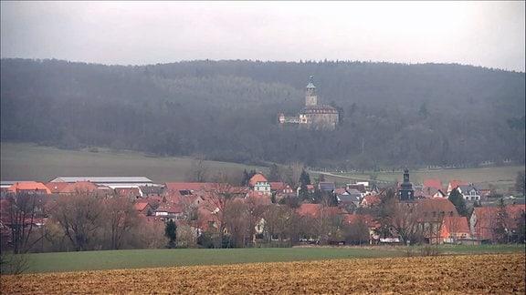 Tonndorf mit Schloss