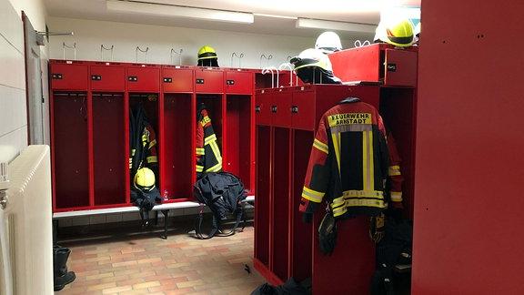 Umkleideraum der Feuerwehr.