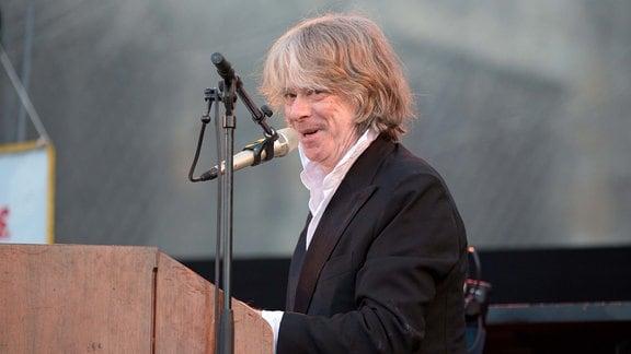 Helge Schneider am Piano bei den Domstufen in Erfurt.