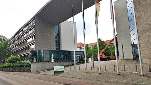 Blick auf den Ministeriumskomplex in der Werner-Seelenbinder-Straße in Erfurt. Darin befindet sich unter anderem das Thüringer Ministerium für Infrastruktur und Landwirtschaft