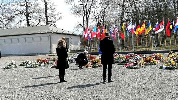 Bundespräsident Frank-Walter Steinmeier legt Kranz in Gedenkstätte Buchenwald nieder