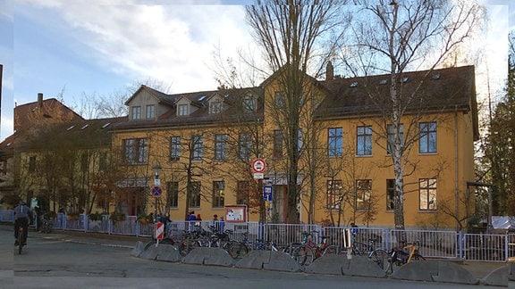 Das Gebäude der Freien Waldorfschule Weimar von außen