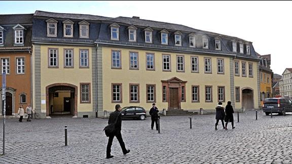 Das sogenannte Goethewohnhaus am Frauenplan in Weimar, links im Bild der Eingang zum Goethe-Nationalmuseum