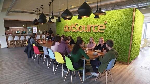 Mitarbeiter von Firma Dotsource im IT-Paradies in Jena